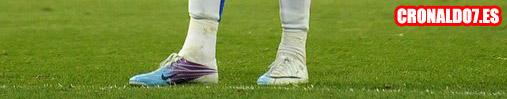 Las nuevas botas de Cristiano Ronaldo azules y blancas del 2011
