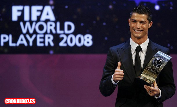 Cristiano Ronaldo recibe el Fifa World Player