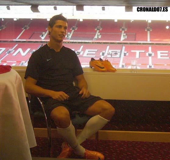 wallpaper nike mercurial. Ronaldo Nike Mercurial SL